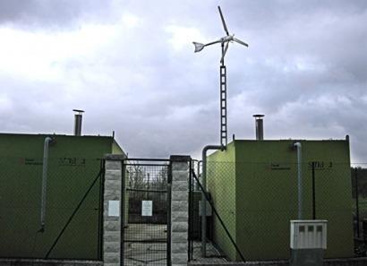 La Diputación de Ourense instala minieólica en depuradoras