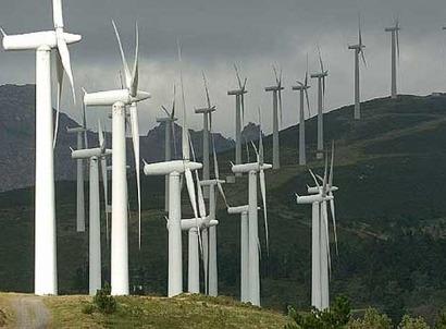 La Xunta recurre el decreto que suspende las primas a las renovables