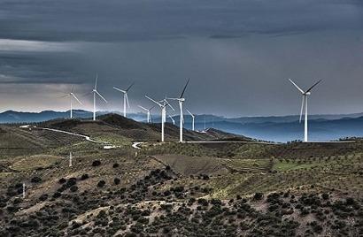 El viento y el agua reducen el déficit energético español en 4.000 millones en 2013