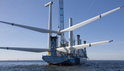 Europa conecta un aerogenerador marino cada 30 horas