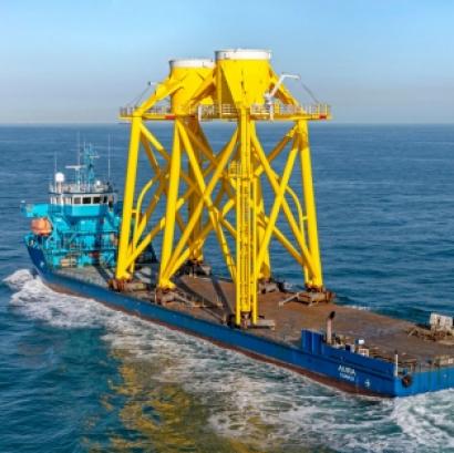 El parque marino Moray East completa la instalación de su primera estructura jacket