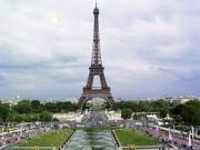 La torre Eiffel se apunta a la minieólica