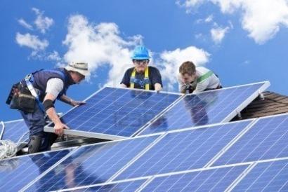 ¿Sabes cuántos países europeos tienen más fotovoltaica por habitante que España?