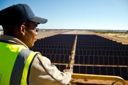 Acciona conecta la mayor central solar de África