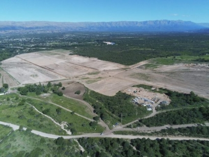 Dos parques fotovoltaicos que suman 65 MW de potencia tendrán seguidores solares de las española PVH