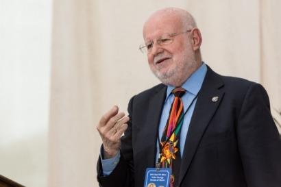 El profesor Antonio Luque recibe en EEUU el premio Karl Böer