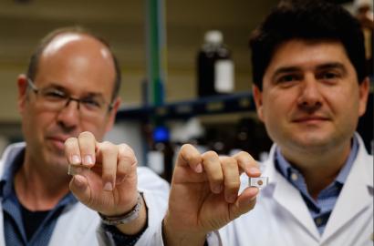 Investigadores españoles logran un nuevo récord de eficiencia en celdas de óxido de titanio