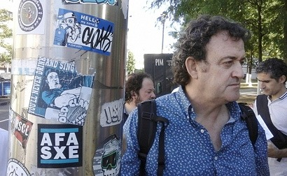 César Vea rodea el Ministerio