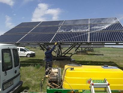 La bajada de precios del mercado eléctrico puede provocar presiones inasumibles en los costes del mantenimiento fotovoltaico