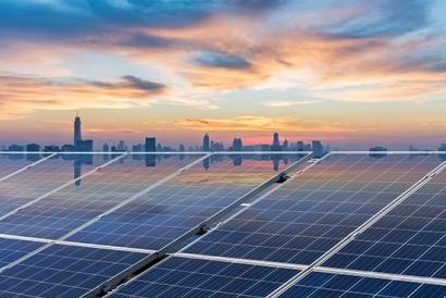 ¡Instala tus placas solares y únete al futuro… nosotros te lo financiamos!