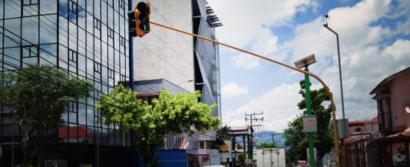 Licitan por 1,5 millones de dólares el suministro de paneles fotovoltaicos para semáforos
