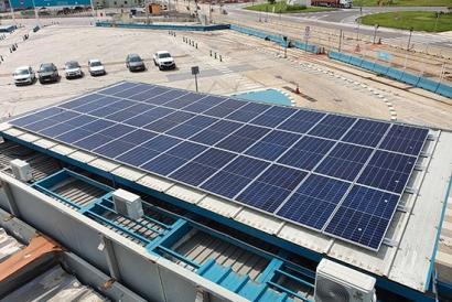 Las oficinas de Baleària del puerto de Valencia estrenan un autoconsumo de 21,3 kW