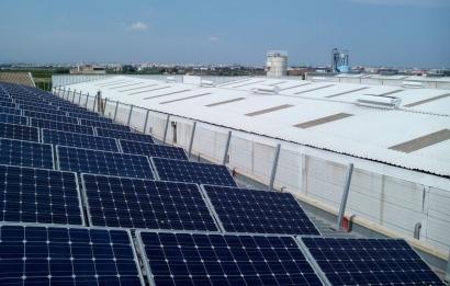 75 personas recuperan una nueva planta solar en Valencia