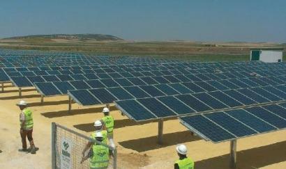 La primera planta solar de España sin primas se conectará esta semana