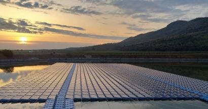 Fotovoltaica - La tecnología solar sobre el agua Isifloating llega a Extremadura - Energías Renovables, el periodismo de las energías limpias.