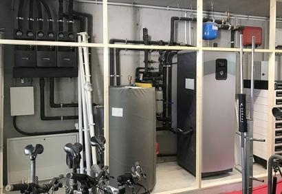 Una vivienda unifamiliar con autoconsumo con baterías y geotermia para climatización