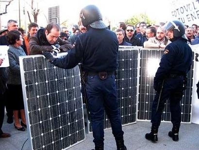 Anpier anuncia movilizaciones dentro y fuera de España contra la reforma eléctrica