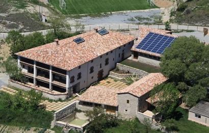 Los emprendedores de Mas Vinyoles integran la fotovoltaica en sus instalaciones