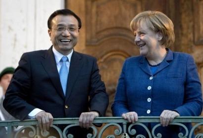 El Primer ministro chino toma cartas en la disputa solar