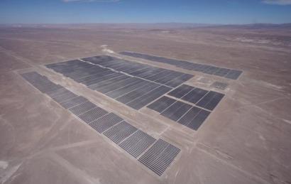 """Chile inaugura """"la segunda planta solar fotovoltaica más grande de Latinoamérica"""""""