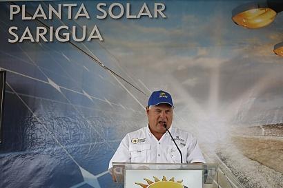 Inauguran la primera planta fotovoltaica del país