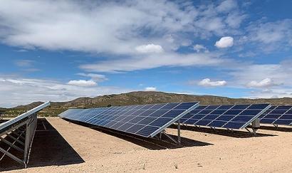Se inaugura la planta fotovoltaica Herrera del Manco, que pertenece a 75 familias murcianas