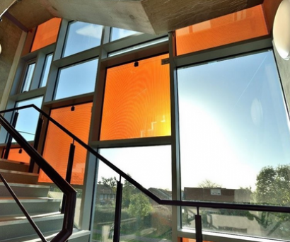 """La británica Polysolar busca financiación para su vidrio solar """"verdaderamente transparente"""""""