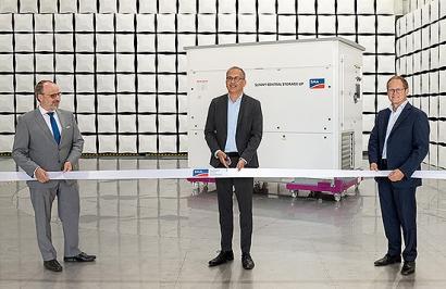 SMA inaugura un centro de ensayos para compatibilidad electromagnética en Alemania