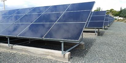 Solener pone en marcha un bombeo solar para 200.000 árboles frutales