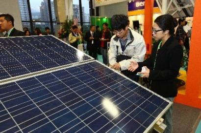 China y la UE pactan llegar a un acuerdo en la batalla de los paneles solares