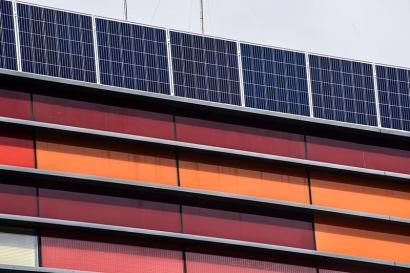 Una entidad financiera inaugura tres plantas fotovoltaicas para autogeneración