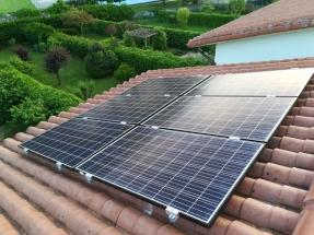 Sabadell y Viesgo acuerdan la financiación de paneles solares para particulares