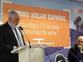 """Arias Cañete: """"ha terminado la era de los combustibles fósiles, estamos en la era de las energías renovables"""""""