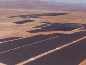 Movistar cubrirá el 40 % de sus necesidades de electricidad con renovables de Acciona