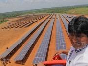 El presidente Evo Morales pone en funcionamiento la primera planta fotovoltaica