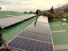 Anuncian el primer sistema fotovoltaico de generación distribuida financiado con ahorros generados