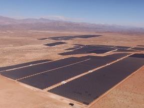 Acciona anuncia la construcción de dos plantas fotovoltaicas y dos eólicas, por un total de casi 400 MW