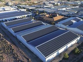 El sol echa un pulso a la red para contener la factura eléctrica de las empresas