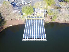 Orlando: Inauguran una planta fotovoltaica flotante, instalada en un embalse de riego
