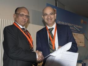 UNEF sella un acuerdo de colaboración con la Federación de Energía Solar de India
