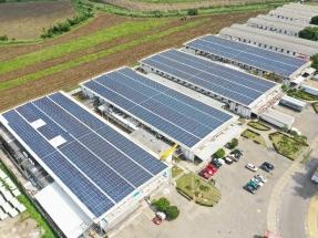 Inauguran en los techos de un parque industrial un sistema fotovoltaico de 4 MW