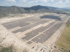 Dos proyectos fotovoltaicos que suman 144 MW obtienen una financiación por 86 millones de dólares
