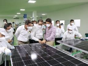 Colima: Inauguran una fábrica de paneles fotovoltaicos