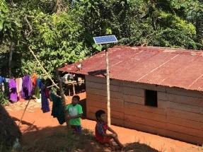 Un proyecto de Acciona proporciona luz a partir de fotovoltaica a más de dos mil personas