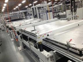 Se venden cuatro líneas completas de producción de paneles solares
