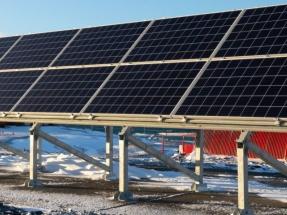 Instalan una segunda planta fotovoltaica en la antártica Base Artigas