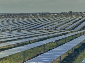Los parques fotovoltaicos El Naranjal y Del Litoral reciben una financiación de casi 115 millones de dólares