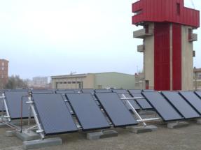 Instalan un sistema solar híbrido, fotovoltaico y térmico, en un cuartel de bomberos de Zaragoza