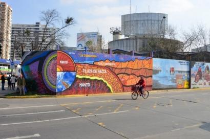 CHILE: Santiago: Un mural callejero destaca la energía geotérmica
