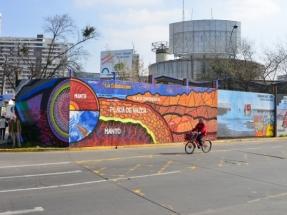 Santiago: Un mural callejero destaca la energía geotérmica